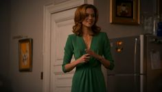 Hilarie Burton's character on White Collar always looks polished and wears dresses. Plus she's a redhead, so basically my new fashion icon.