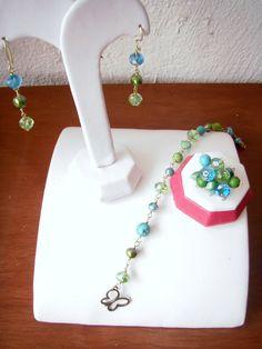Fresca combinacion en azul y verde, aretes, pulsera y anillo...