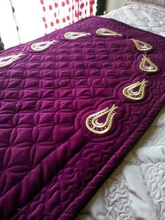 Embroidery Stitches, Hand Embroidery, Abaya Pattern, Islamic Prayer, Prayer Rug, Bed Covers, Chanel Boy Bag, Decoration, Sims