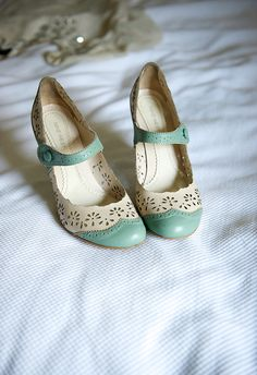 OMG! I wish I had these shoes! They would be perfect for my wedding!