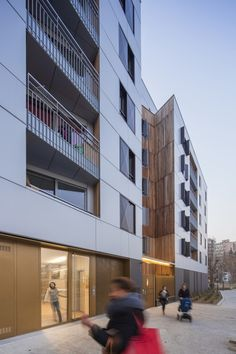 Mixed Use 107 Apartement Units / Nunc Architectes