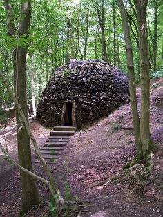 Chris Drury, Coppice Cloud Chamber, 1998 http://www.chrisdrury.co.uk/home.htm