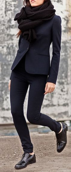 Menswear-Inspired Pieces that can Diversify your Look – Fashion Maxx Fashion Mode, Work Fashion, Womens Fashion, Fashion Black, Style Fashion, Trendy Fashion, Fashion Clothes, Trendy Style, Fashion Outfits