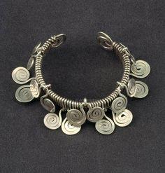 Bracelet | Alexander Calder. Silver wire. ca. 1942 | ©Calder Foundation, New York. / ART128219