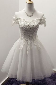 Off-the-Shoulder Short Ivory Tulle Homecoming Dress With Appliques TR0175