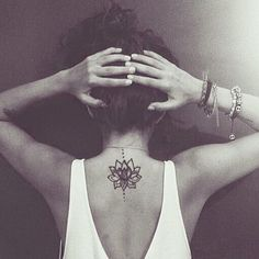 Love this mini mandala tattoo via: @justsmalltattoos! #tattooinkspiration: