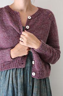 Ravelry: Felix Cardigan pattern by Amy Christoffers Knit Cardigan Pattern, Sweater Knitting Patterns, Knit Patterns, Free Knitting, Knit Cardigan Outfit, Beginner Knitting, Pull Jacquard, Quick Knits, Pulls