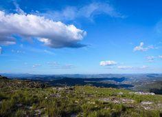 Tenho uma certa queda por lugares lindos.  . . . #EscolhasDeSimone  #TrilhandoMontanhas #Followmefaraway #landscape #landscapestyles #Freedom #Places_Wow #MinasGerais #Brazil  #travelsouthamerica #Aventureiros #IG_BRAZIL #Brazil_Repost #Awesome_Photographers #Awesome #Natureza #VidaAoArLivre #nature #Sky #BlueSky #nature_shooters #naturegram #NatureLovers #turismo_mg #ig_minasGerais_ #ig_minasGerais #Desviantes #AventureirosBR #ProfissãoAventura by escolhas_de_simone