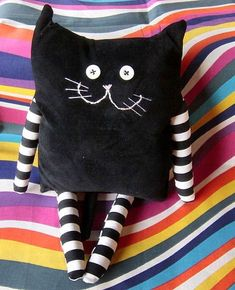 Amazing Home Sewing Crafts Ideas. Incredible Home Sewing Crafts Ideas. Sewing Toys, Sewing Crafts, Sewing Projects, Fabric Toys, Fabric Crafts, Doll Patterns, Sewing Patterns, Sock Dolls, Crochet Hook Set
