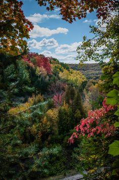 Hamlet ofCataract,Ontario-Lookoutof over the gorge and rail line.  Copyright - Jeff E. Smith
