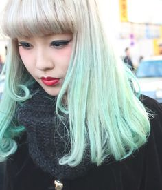 We've gathered our favorite ideas for Blonde And Green Ombre Hair Color Ideas Hair Colors Ideas, Explore our list of popular images of Blonde And Green Ombre Hair Color Ideas Hair Colors Ideas in pastel green hair. Pastel Green Hair, Hair Colorful, Dyed Hair Pastel, Mint Hair, Green Hair Colors, Blue Hair, Vibrant Colors, Pastel Mint, Chanel Corte