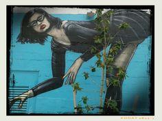 Miami quartiere Wybwood street art di leza one Push Here