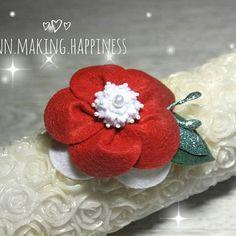 Вы готовы к новому году?)✨ Очень люблю этот праздник, точнее даже, это мой самый любимый праздник 😍 А этот цветочек для маленькой модницы к её новогоднему платьицу😊