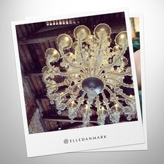 Danish fashion magazine @elledanmark was enchanted by the gigantic Venetian chandelier at Hotel Cipriani, Venice. #PANDORApreviewAW
