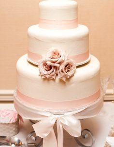 29 Delicious and Pretty Wedding Cakes Inspiration. To see more: http://www.modwedding.com/2014/01/25/29-delicious-and-pretty-wedding-cakes-inspiration/ #wedding #weddings #cakes