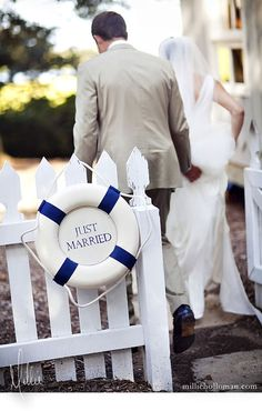 nautical theme - If Mike and Penny took pictures on the boat.