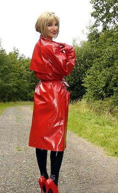 Do you like my new red mac ? Red Raincoat, Vinyl Raincoat, Plastic Raincoat, Rubber Raincoats, Pvc Coat, Rain Gear, Sexy Latex, Latex Girls, Raincoats For Women