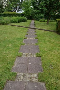 A lot of people are opting for this marvelous conception for their Wood Walkway, Outdoor Walkway, Walkway Ideas, Landscape Elements, Landscape Design, Garden Design, Garden Nook, Terrace Garden, Garden Pavers