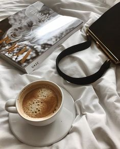 Discovered by Vogue. Find images and videos about aesthetic, coffee and vogue on We Heart It - the app to get lost in what you love. Coffee Cafe, Iced Coffee, Coffee Drinks, Coffee Shop, Coffee Lovers, Coffee Break, Morning Coffee, Coffee Photography, Food Photography
