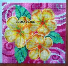 DECO.KDO.NAT: Perles hama: tableau fleurs jaunes