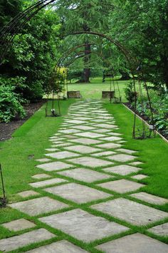 garten pflaster - You are in the right place about mini garden Here we offer you the most beautiful pictures about t - Garden Pavers, Backyard Garden Design, Garden Trellis, Garden Path, Pavers Patio, Concrete Pavers, Patio Design, Dream Garden, Outdoor Walkway