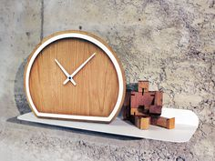 MADERA Table-top clock by Otono Design