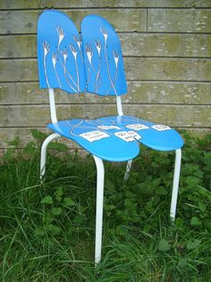 Wonder if this is sit-able? Like it though!