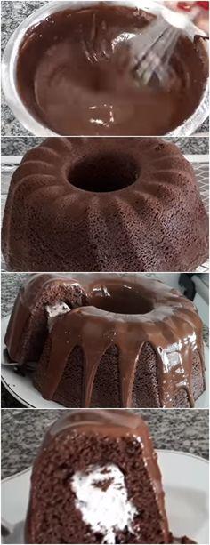 UMA AMIGA ME PASSOU ESSA RECEITA DE BOLO NHÁ BENTA, FIZ E SIMPLESMENTE AMEI, MUITO GOSTOSO!! VEJA AQUI>>Para fazer a massa, bata 4 gemas, 1 1/2 xícara (chá) de açúcar, a margarina e o chocolate em pó em uma batedeira. Junte o leite, a farinha e o fermento peneirados. #receita#bolo#torta#doce#sobremesa#aniversario#pudim#mousse#pave#Cheesecake#chocolate#confeitaria