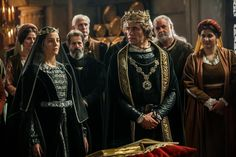 Isabella of Aragon and Manuel I of Portugal Spain History, European History, Tudor Fashion, European Fashion, Theatre Costumes, Movie Costumes, Historical Tv Series, Isabel I, Isabella Of Castile
