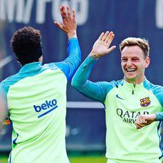 😜 Have a nice weekend!!! 😜 ¡Que tengáis un buen fin de semana! 😜 Que tingueu un bon cap de setmana! #FCBarcelona #igersFCB #Rakitic #Neymar