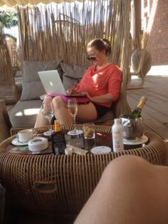 It´s a Bloggers life.. Even a blogger has to work on holidays,
