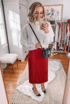 Discover ready-to-shop pics from Trendy Outfits - Daily Fashion Holiday Fashion, Holiday Outfits, Trendy Outfits, Daily Fashion, Fashion Beauty, Female Fashion, Womens Fashion, Outfit Posts, Pretty In Pink
