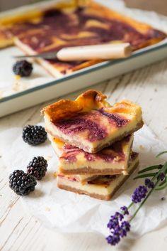 Cheesecake bars met braambessen en lavendel - Manon Van Aerschot