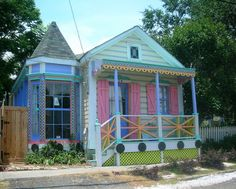 I love pastel color scheming and multi-colored elements. I like colored shudders.