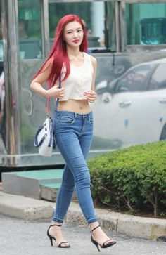 170721 Red Velvet Joy on the way to Music Bank. Red Velvet Joy, Red Velvet Irene, Kpop Fashion, Korean Fashion, Womens Fashion, Airport Fashion, Seulgi, Kpop Mode, Red Valvet