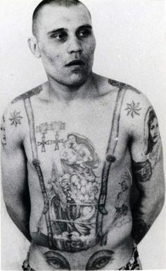 Μηχανή του Χρόνου: Τα τατουάζ των φυλακισμένων της ΕΣΣΔ με τον Στάλιν και τον Λένιν. Τι συμβόλιζαν οι νεκροκεφαλές, πάνω από το πέος - NEWS247