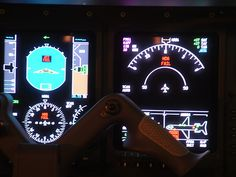 Fly in state of the art Aircraft. www.flightpooling.com N906LX EFIS