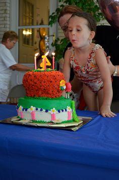 Strawberry Shortcake cake with no fondant !