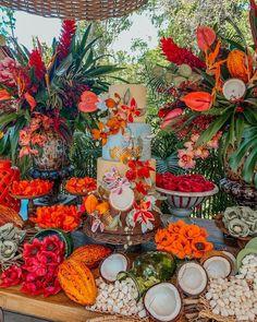 TUDO o que se sabe sobre o casamento da Thássia Naves! Havana Nights Party, Sunset Party, Caribbean Party, Decoration Evenementielle, Tropical Party, Event Decor, Event Design, Party Time, Movie Party