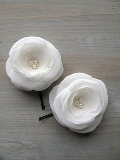 DIY hair pins with chiffon flower.
