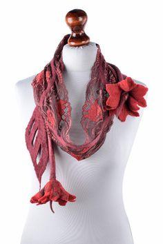 Weiteres - Roten Schal, romantisch mit Blumen, Tulpe, Spitze - ein Designerstück…