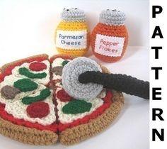 Pizza Play Food Crochet Pattern por CrochetNPlayDesigns en Etsy