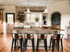 Join me on a blog hop tour - Fall Farmhouse Inspiration. See how Copper, Amber, Thrift Store & Flea Market flips, trash to treasure finds, DIY & craft projects, repurposed items and more come together for this years Fall Country Style. Tour includes Living Area, Kitchen and Dining Area of the Farmhouse. Southern Style, Country Style, Dining Area, Kitchen Dining, Diy Plate Rack, Fall Dishes, Vintage Windows, Repurposed Items, Barn Wood