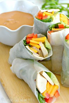 Mango Tofu Summer Rolls are a delicious warm-weather vegan appetizer or meal. Choose your favorite fillings, roll them up, and dip in a spicy peanut sauce. Vegan Sushi, Vegan Food, Spicy Peanut Sauce, Summer Rolls, Vegan Comfort Food, Sustainable Food, Vegan Appetizers, Appetisers, Vegan Dishes