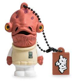 USB 8 GB - Ammiraglio Ackbar - Star Wars Comandante della flotta dell'Alleanza Ribelle, l'Ammiraglio Ackbar è un personaggio chiave nella guerra contro il Lato Oscuro. E' sicuramente il più conosciuto dei Mon Cal, pesci umanoidi con la testa a cupola e le mani palmate, famosi per la loro cultura molto avanzata e civile. Admiral Ackbar è anche l'ideatore della vincente strategia d'attacco nella Battaglia di Endor. Tanto tempo fa, in una galassia lontana … la Saga stellare numero uno nel mondo…
