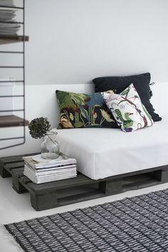 Crea tu propio sofá con palés   Decoración