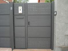 Home Gate Design, Iron Gate Design, Door Design, House Design, Steel Gate, Steel Doors, Metal Driveway Gates, Grill Gate, Modern Wood Furniture
