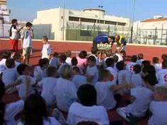 Unos 80 alumnos han participado en la Escuela de Fútbol de cancelada. La clausura y la entrega de diplomas contó con la colaboración de los padres y madres.