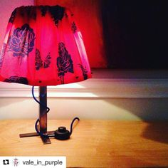 My agent in Italy keeps doing beautiful things/ mi agente en Europa sigue haciendo cosas hermosas with ・・・ Iron and Fabric lamp: new idea for lampshade, ready for Christmas Ver traducción