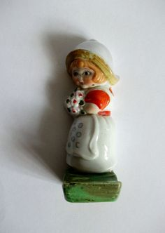 HANGING CERAMIC ORNAMENT FLOWER GIRL MADE IN JAPAN VINTAGE